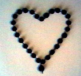 Herz-Meditation Rudraksha Mala in Form eines Herzens HeilAkad